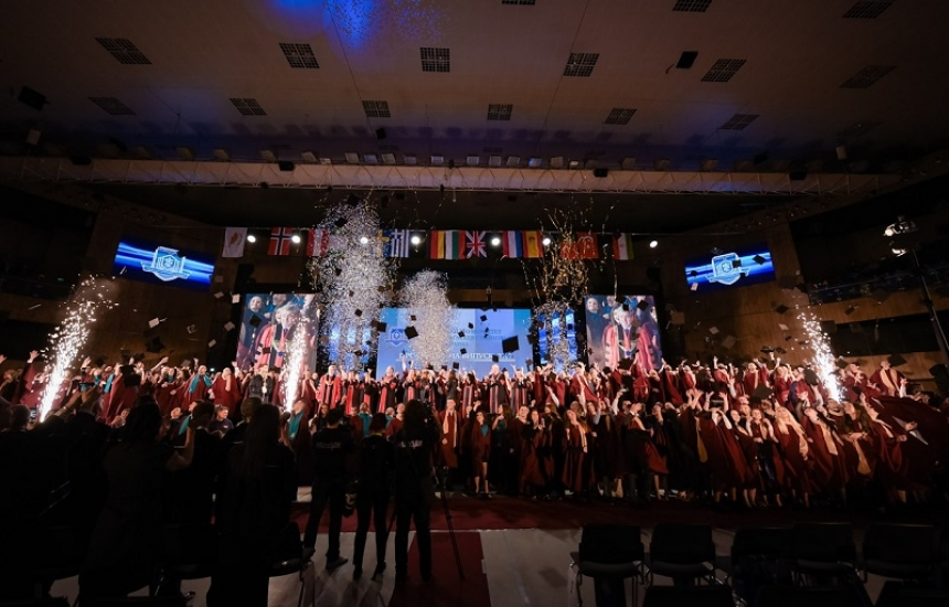 392-ма медици получиха дипломи в МУ-Варна