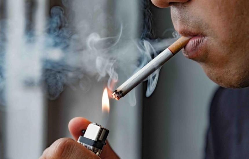 Мъжете пушачи намаляват в световен мащаб