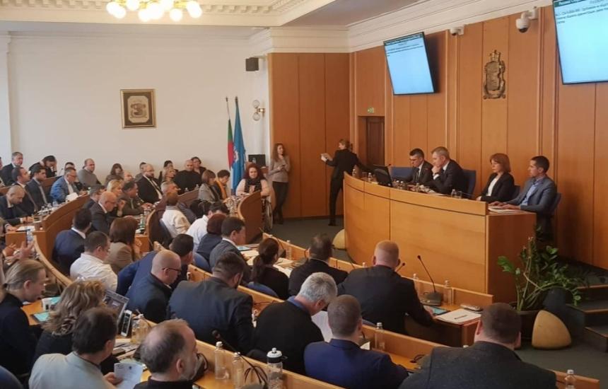 Вдигат данъците за колите в София