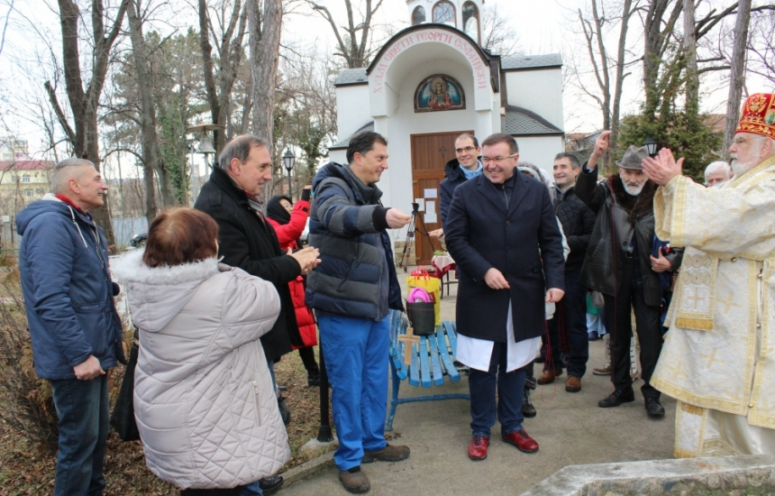 Търсят 15 доброволци за параклиса на Александровска