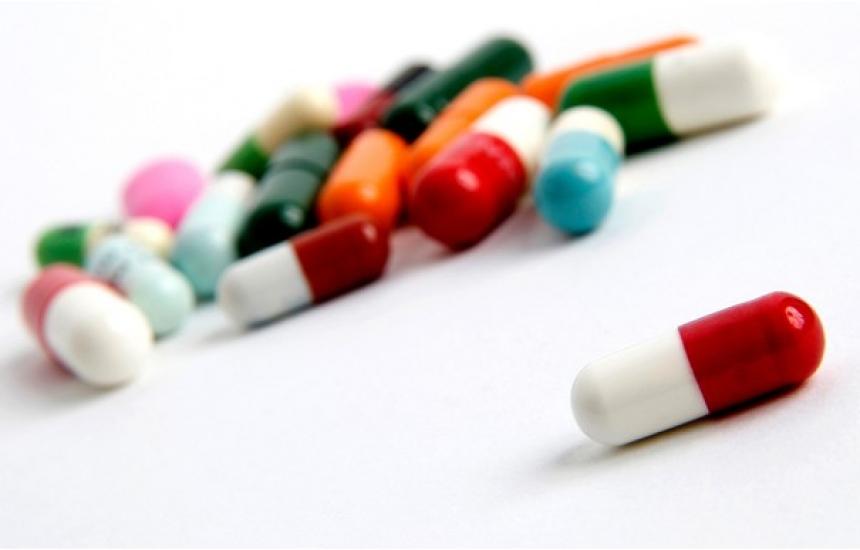 Обсъждат спирането на фалшивите лекарства