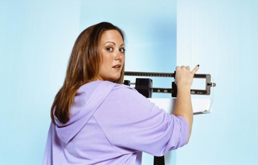 Наднорменото тегло състарява мозъка