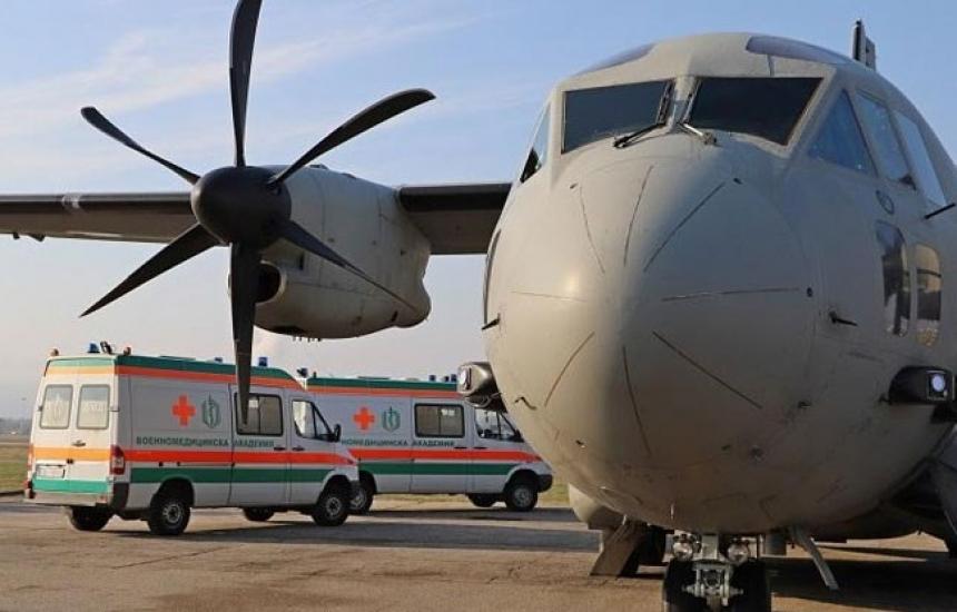 Осигурен е военен транспорт за българите