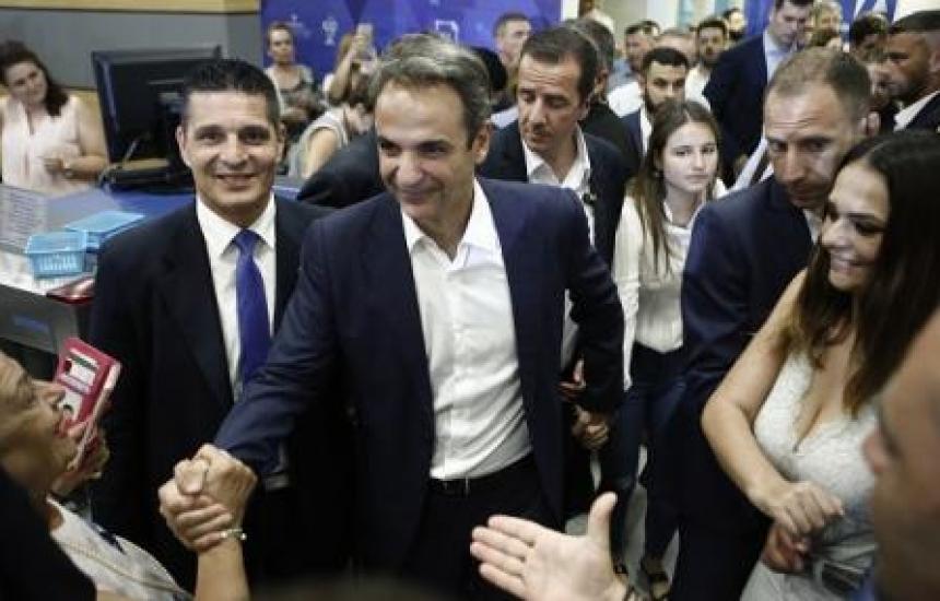 Свалят данъците върху лекарства в Гърция
