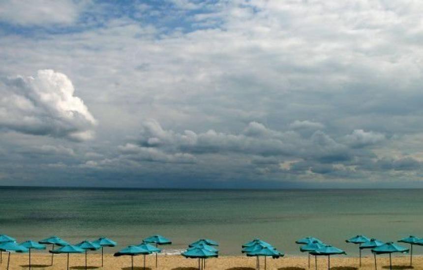 Достъпът до плажа на Бургас - свободен