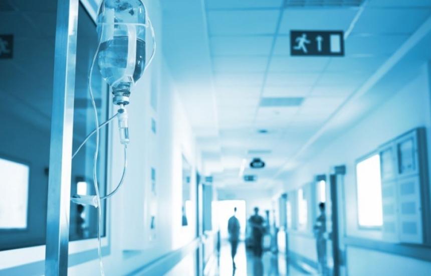 Пациенти с КОВИД-19 само в определени болници