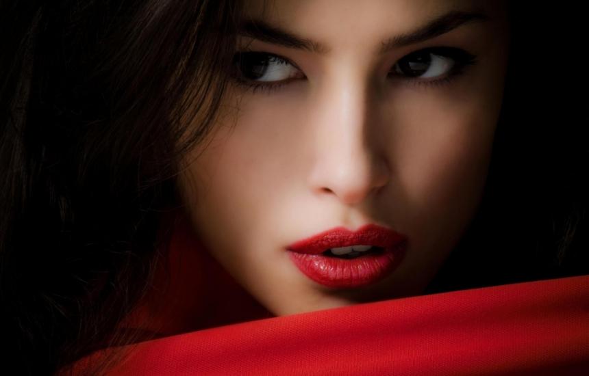 Вампирски лифтинг за красива кожа