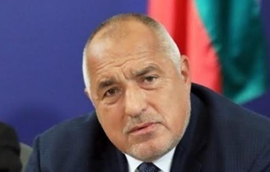Борисов иска ВНС и подава оставка