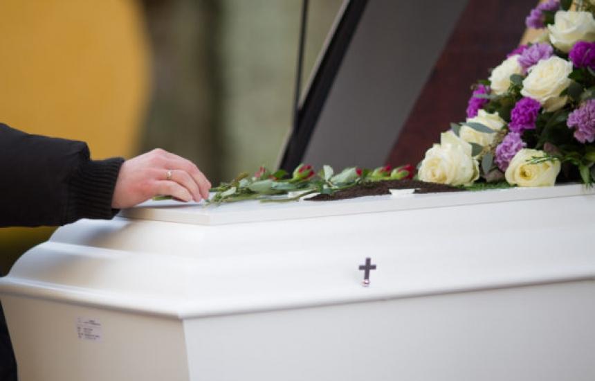 Момиче оживя в погребалното бюро