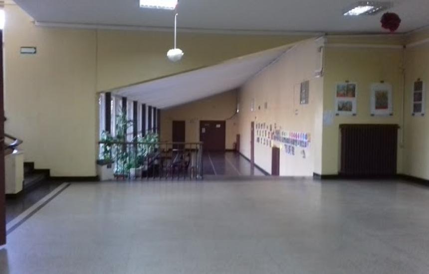 Нови училища в карантина