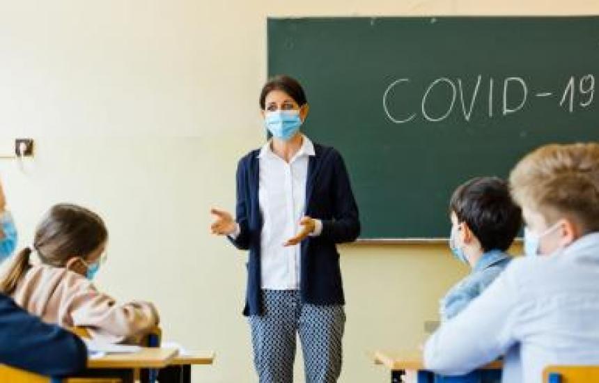 Обсъждат глобите за ученици без маски