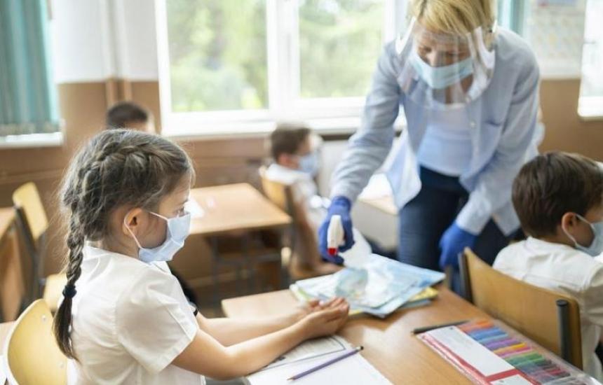 Без глоби за директори за деца без маски