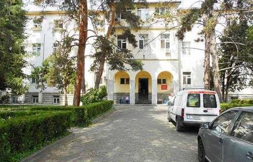Хирургичното в Сандански също спира приема
