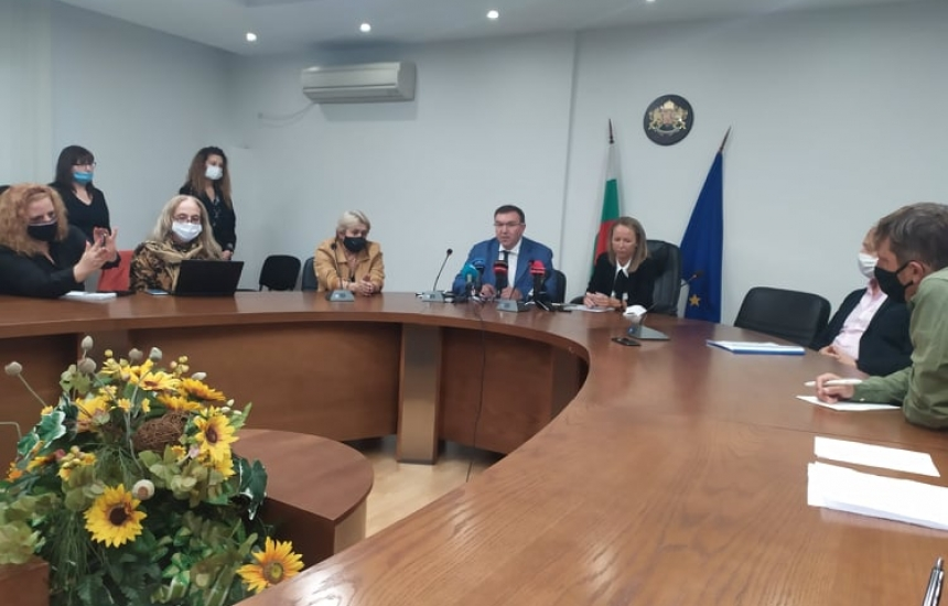 8 болници в Пловдив поемат К-19