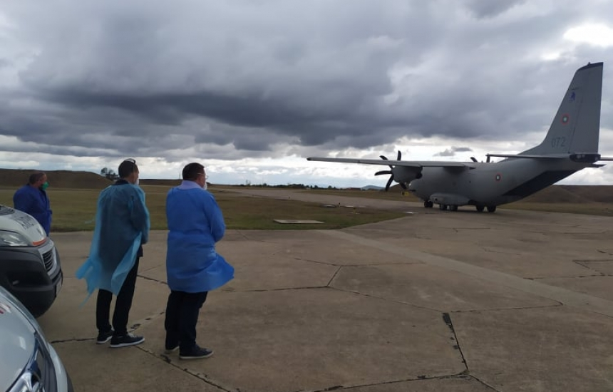 Карат със самолет две жени в Пирогов