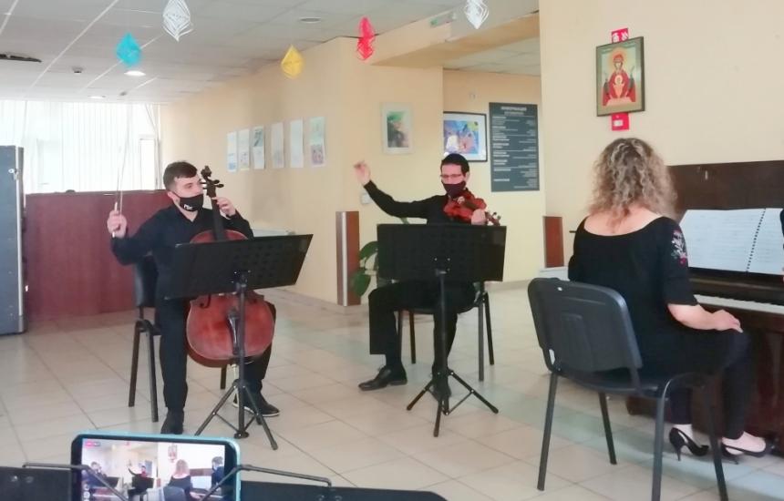 Музиката лекува в Александровска болница