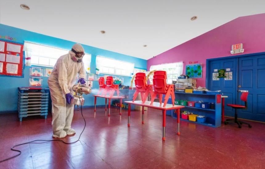 Градини за деца на медици в още два града