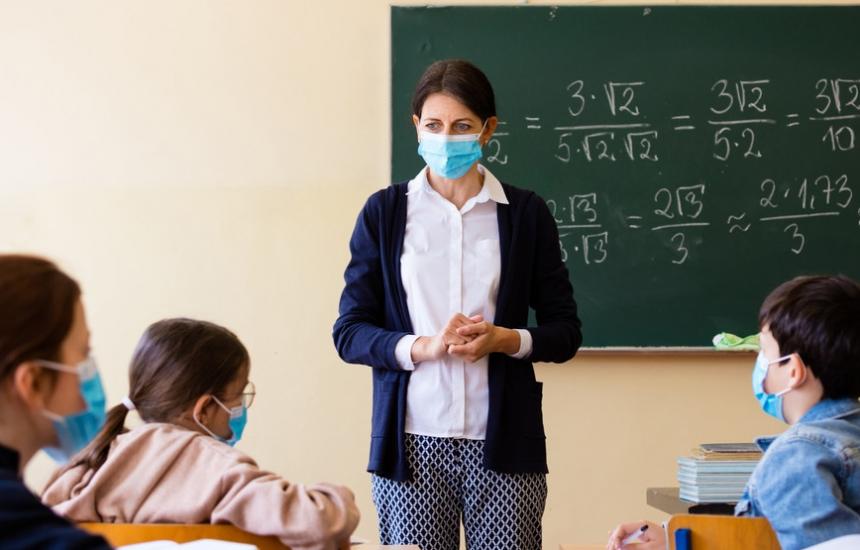 Децата обратно в клас на 4 януари