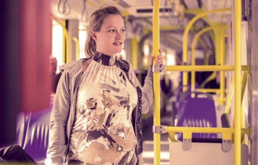 Бременните със значка в метрото