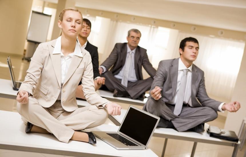 Йога в офиса пази от инсулт