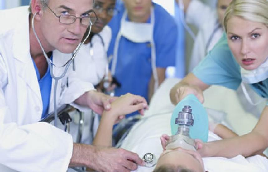 220 студенти на курс по спешна медицина