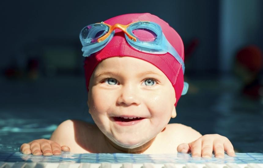 Плуването помага на деца с кръвно и астма