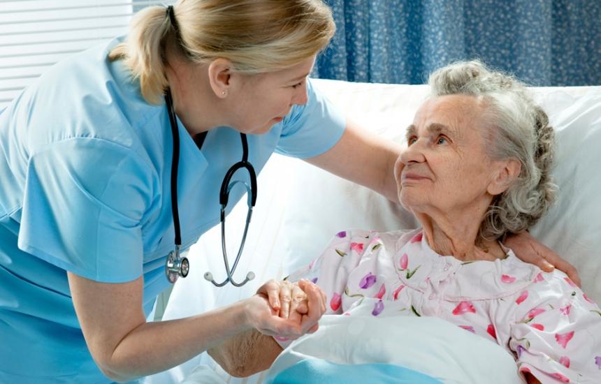 Липсват 11 000 сестри извън болниците