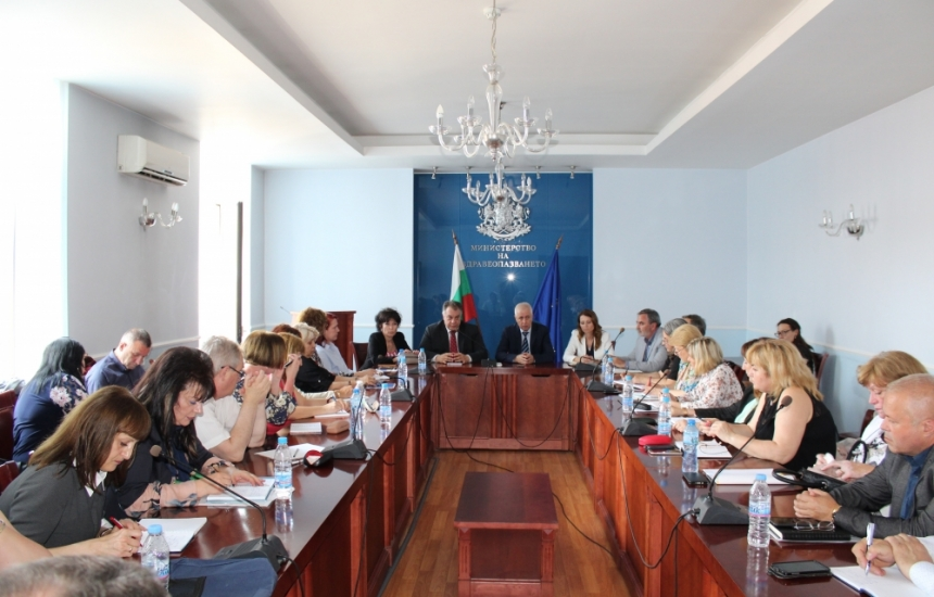 Министърът стяга здравните инспектори