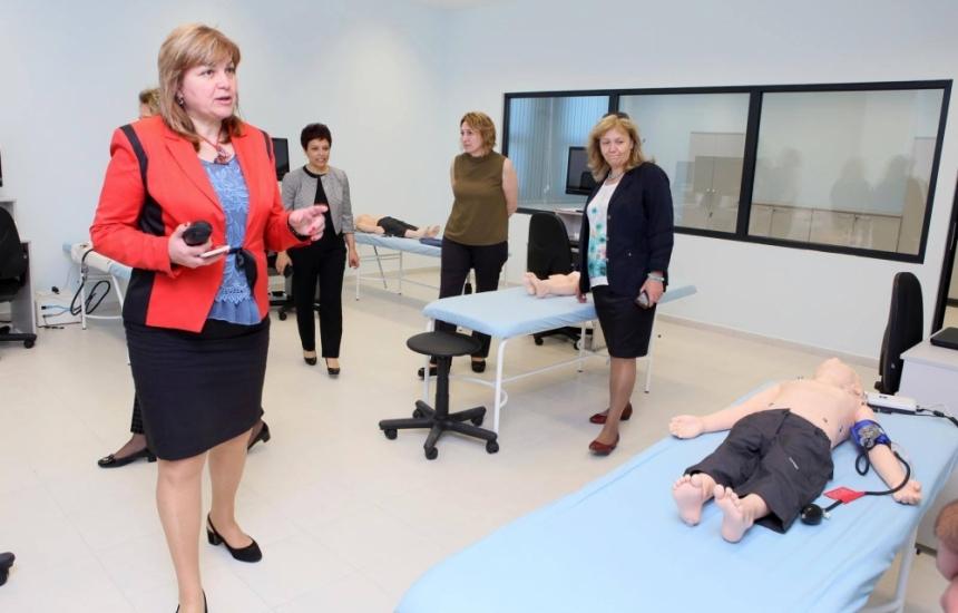 Аджибадем търси медсестри в Пловдив
