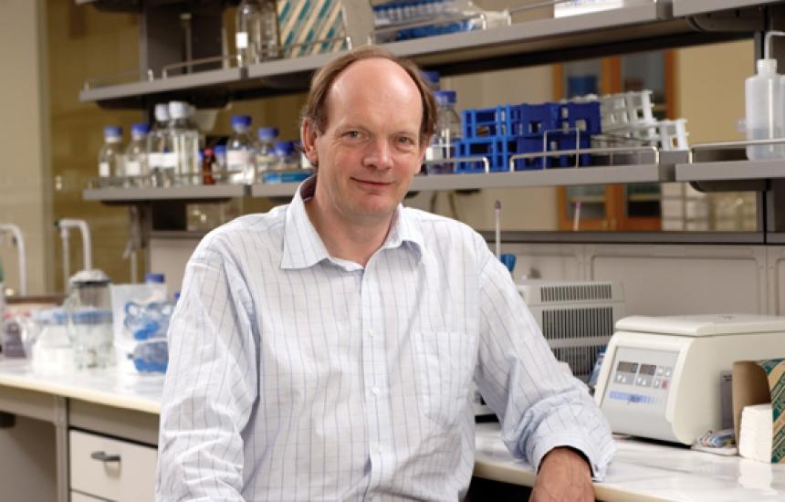 Топ изследовател на рака учи БГ биолози на бизнес