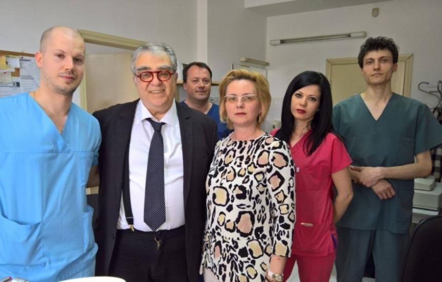 Гръцки професор ще преглежда очи в София