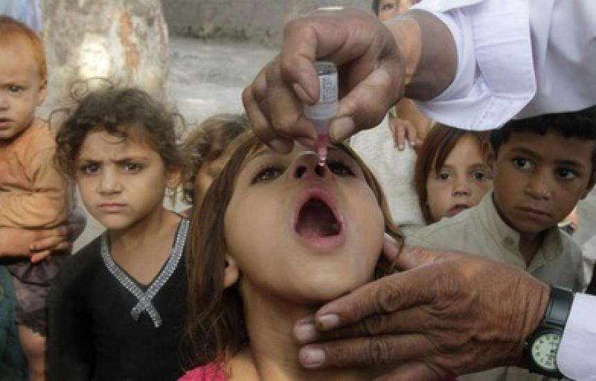 Стартира световна кампания срещу детския паралич