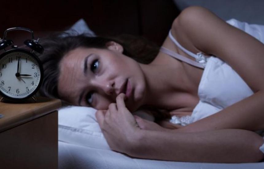 Как да преборим безсънието през есента