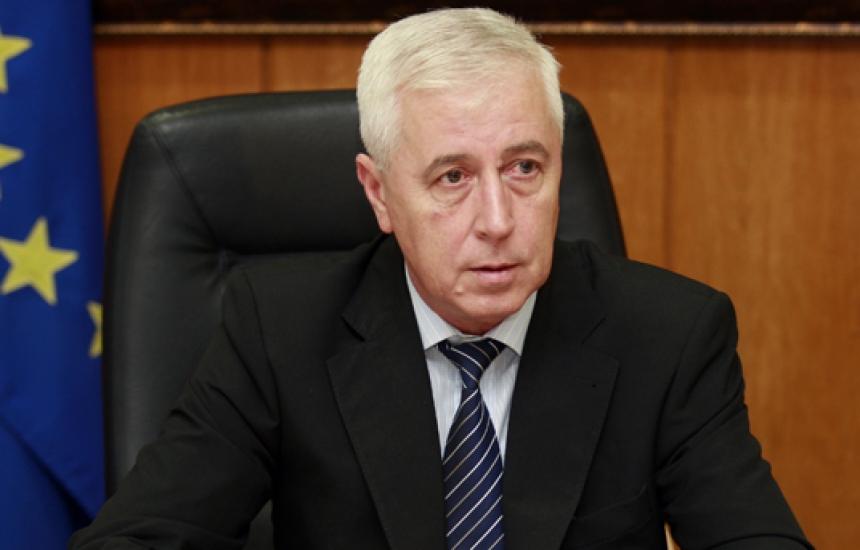ГЕРБ взема решение за здравния министър
