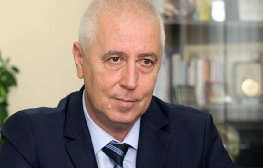 Прокуратурата пак оневини проф. Николай Петров