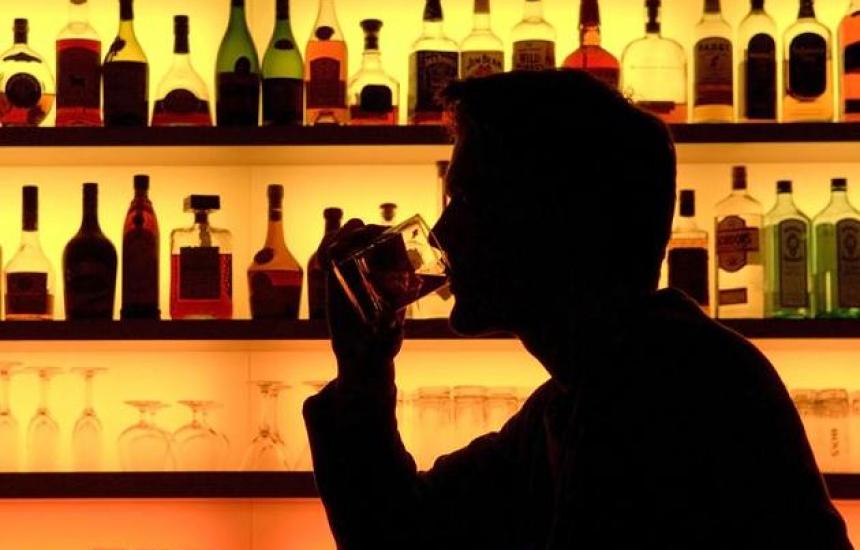 Пием по 12 литра алкохол годишно