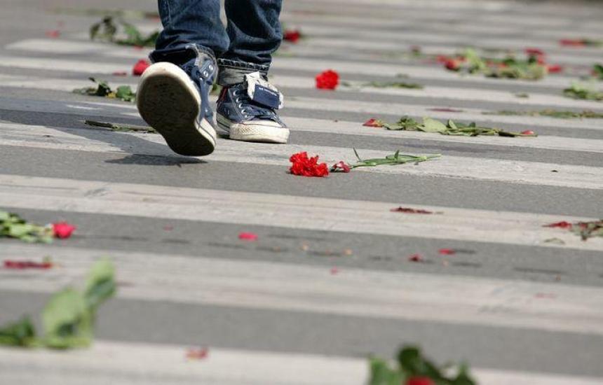 Почитаме паметта на загиналите по пътищата