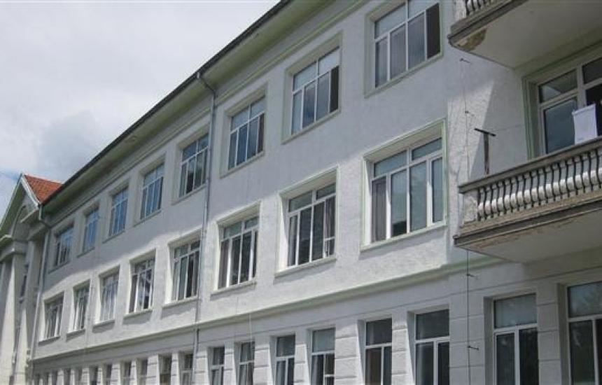 И болницата в Белоградчик на ръба