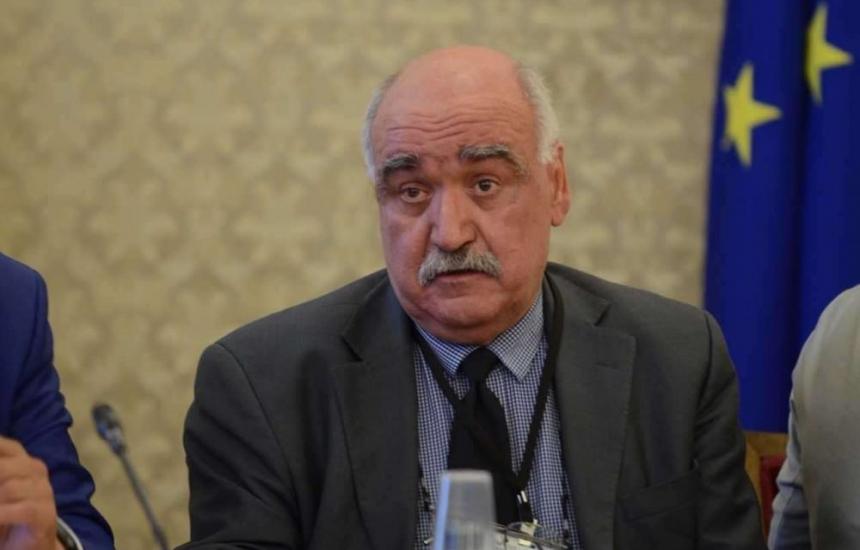 Депутатите изслушват проф. Плочев