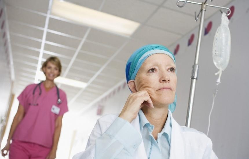 Онколози срещу новите правила за лечение
