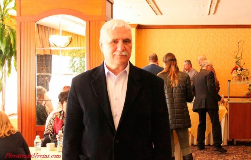 Гастроентеролог поема лекарите в Пловдив