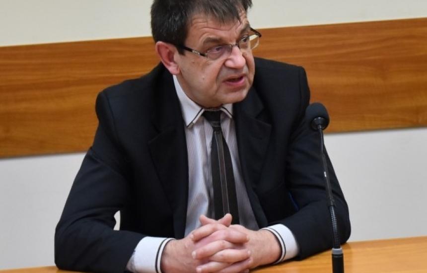Домашен арест за шефа на РЗОК-Ловеч