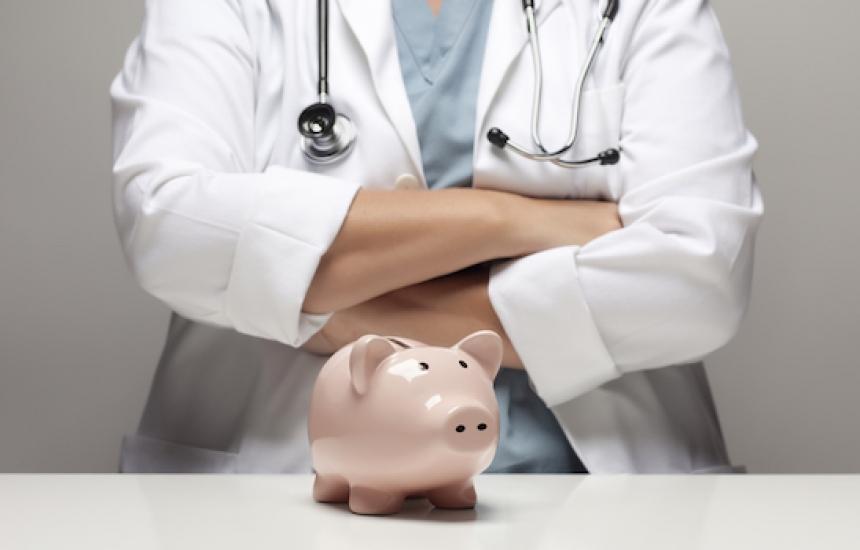 По-високи заплати в здравеопазването