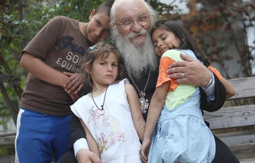 Съдбата ме заведе при отец Иван