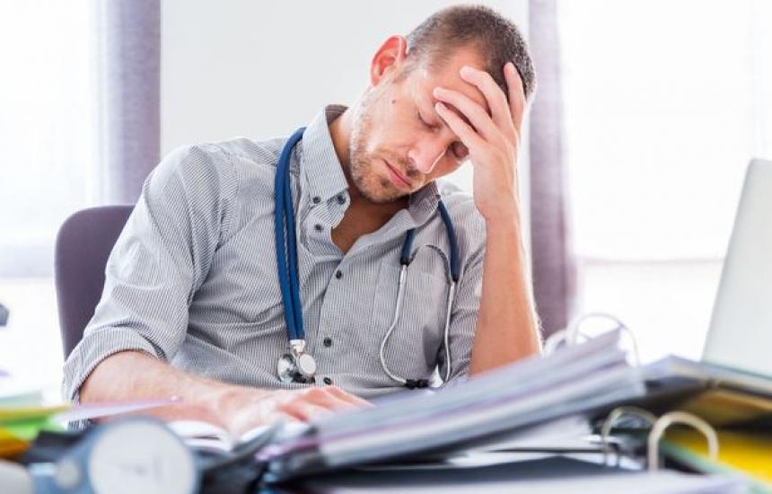 Лекарите крадат, но от времето и съня си
