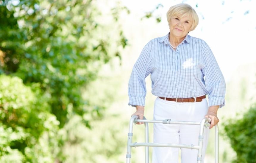 Пенсионери и работници с различен ТЕЛК