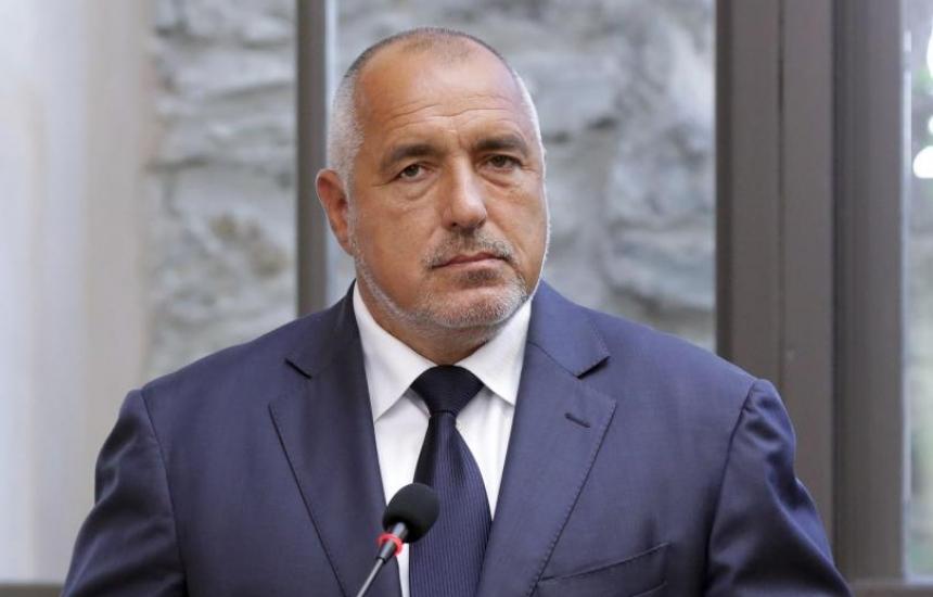 Борисов: Оставям Петков да работи