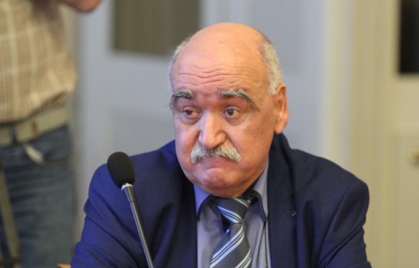 Освободиха проф. Камен Плочев