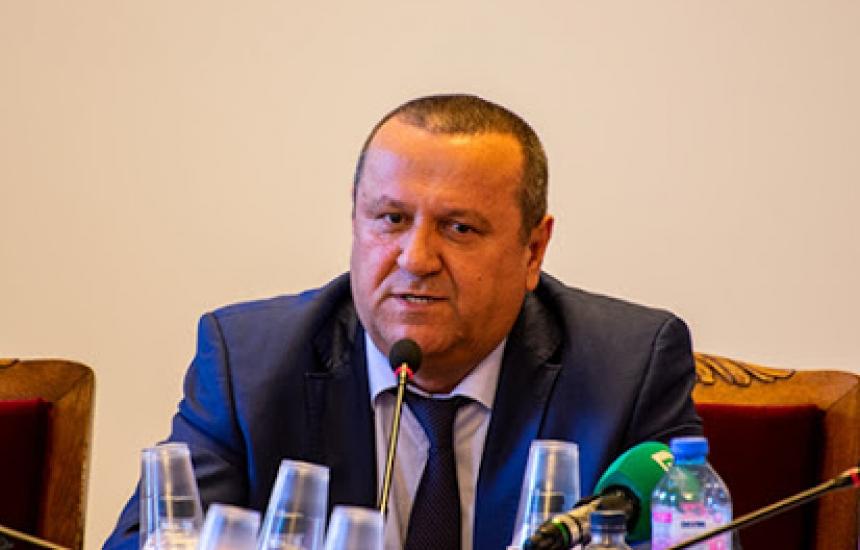 Призовавам д-р Дечев да търси надпартиен консенсус