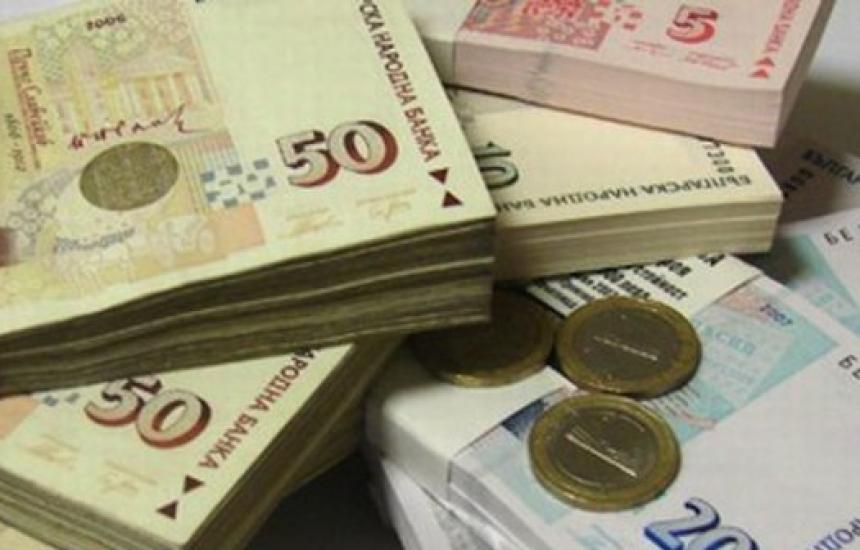 555 млн. лв. повече от вноски